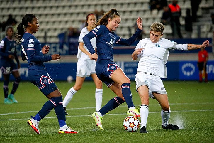 Paris Saint-Germain F.C. - FK Charków